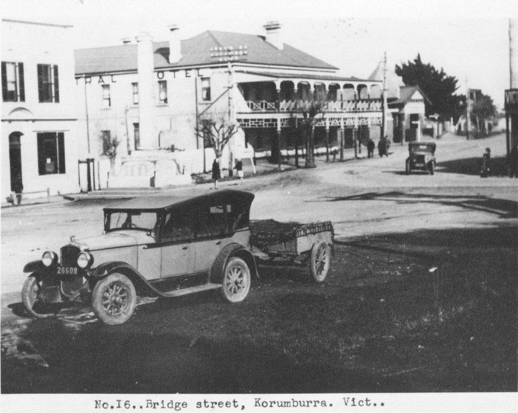 Bridge Rd, top pub C 1930